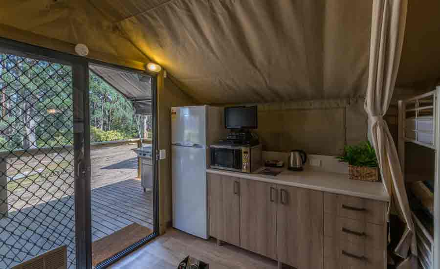 ensuited safari tent with kitchenette holiday park accommodation
